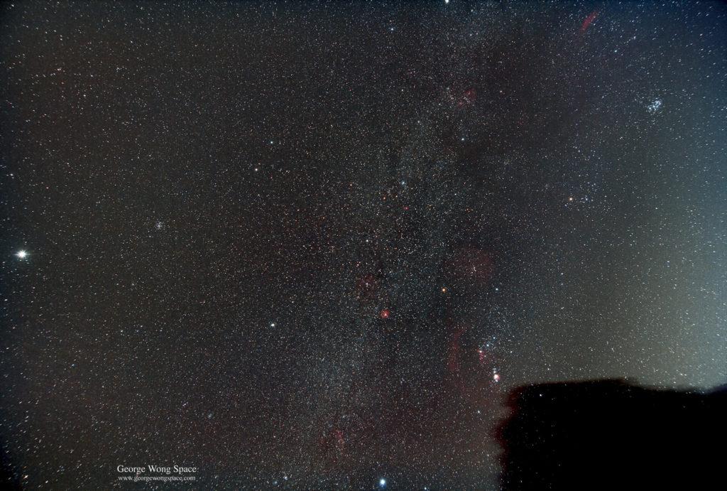 使用天文方法拍攝的冬季銀河,一樣十分美麗。