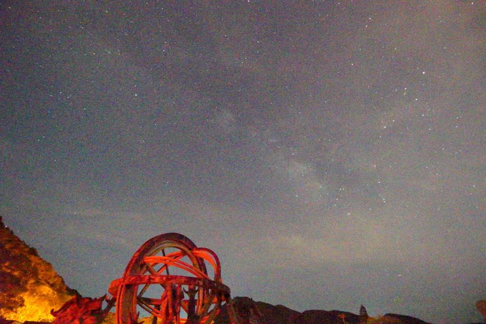 無聊試機:手持拍銀河,1/4, 2.8, ISO 256,000, JPEG直出