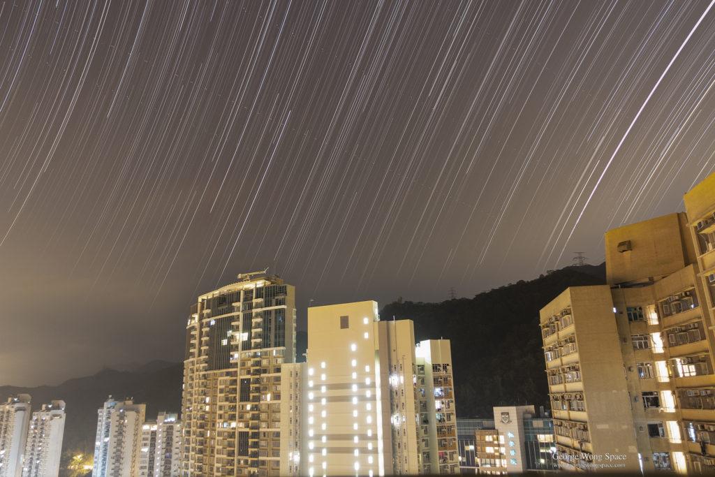 總曝光時間約3小時的星流跡(By Sony RX100m3)